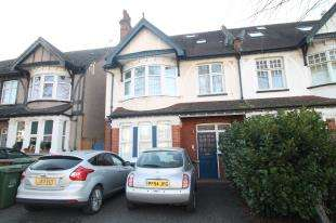2 Bedrooms Flat for sale in Park Lane, Sutton, Surrey, Greater London