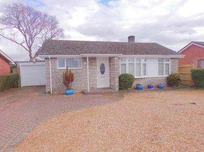 3 Bedrooms Bungalow for sale in Wimborne, Dorset