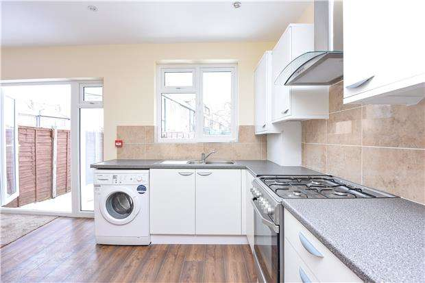 4 Bedrooms Terraced House for sale in Stockport Road, London