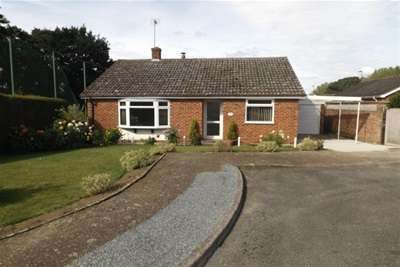 2 Bedrooms Detached Bungalow for rent in Paul Drive - Middleton