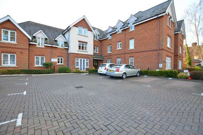 2 Bedrooms Retirement Property for sale in New Road, Ferndown