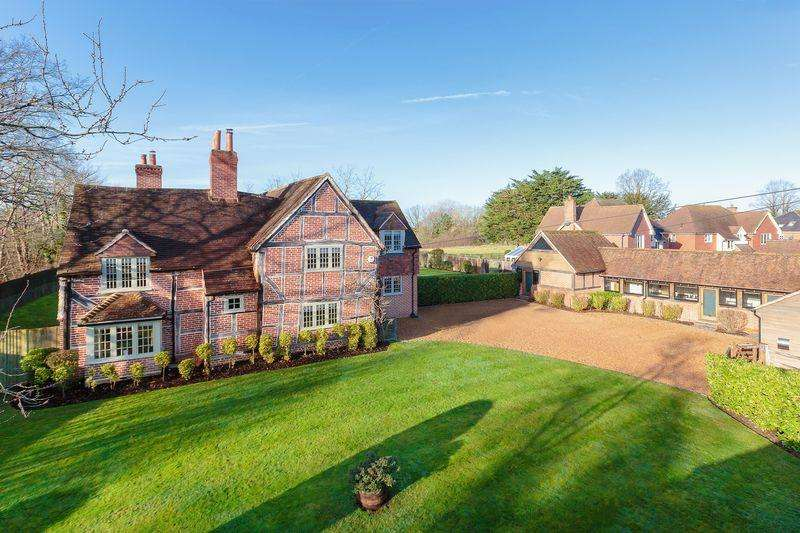6 Bedrooms Detached House for sale in The Street, West Clandon