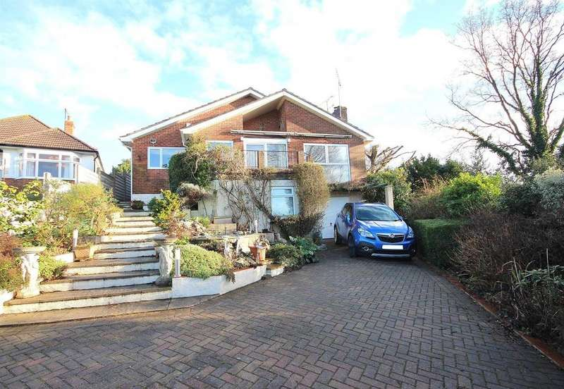 3 Bedrooms Detached Bungalow for sale in Corfe View Road, Corfe Mullen, Wimborne