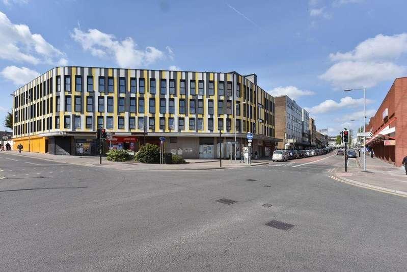 Studio Flat for sale in Park Crescent Development, Luton, LU1