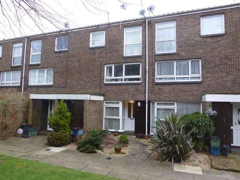 2 Bedrooms Maisonette Flat for sale in Woodpecker Mount, Pixton Way, CR0 9JE