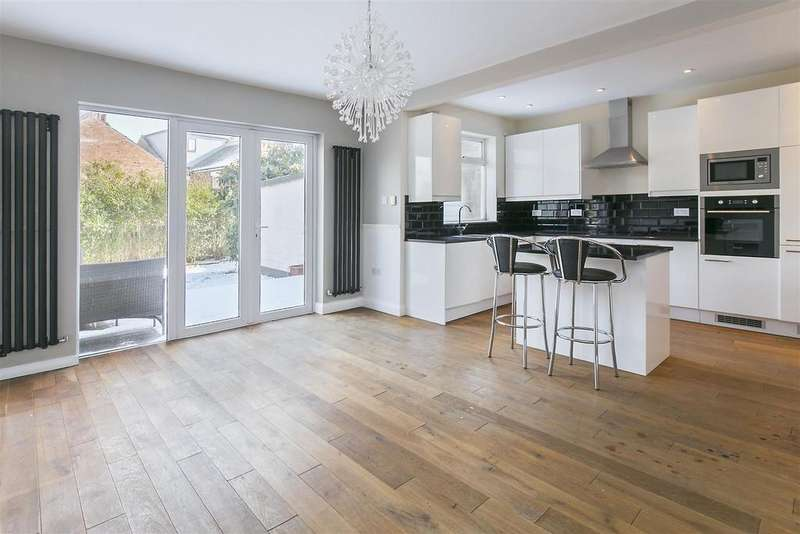 3 Bedrooms House for rent in Beulah Hill, London, SE19