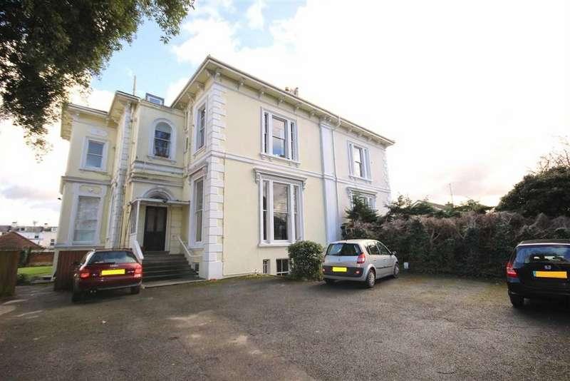 1 Bedroom Flat for sale in Pittville Crescent, Cheltenham, GL52