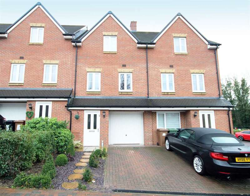 4 Bedrooms House for sale in Three Valleys Way, Bushey, WD23.