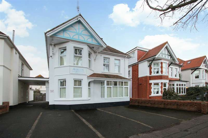 1 Bedroom Flat for sale in Grand Avenue, Southbourne