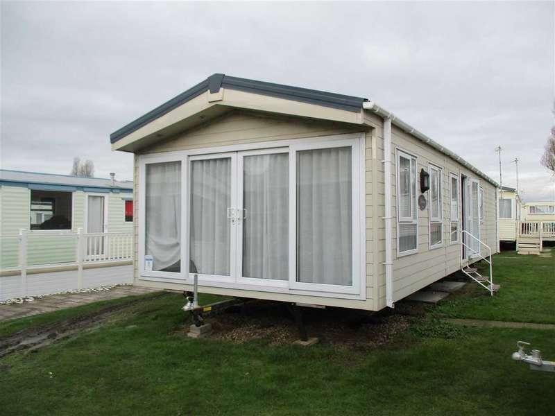 2 Bedrooms Property for sale in Saltings, Coopers Beach, East Mersea, Church Lane, Mersea