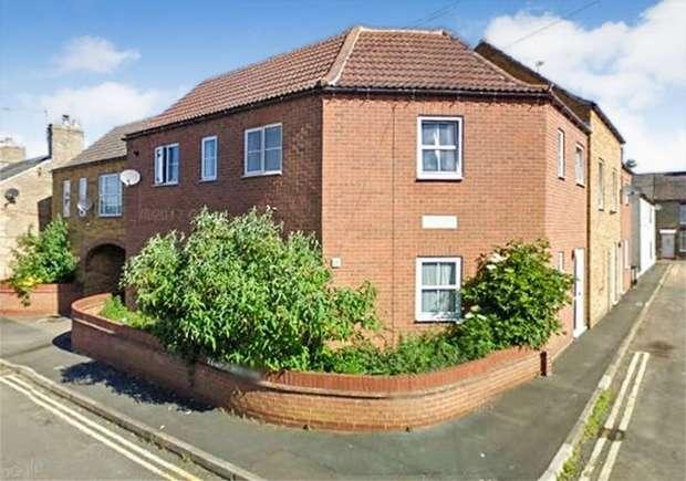 2 Bedrooms Flat for sale in Porter Street, Downham Market, Norfolk