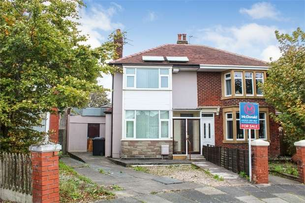 3 Bedrooms Semi Detached House for sale in Cypress Avenue, Thornton-Cleveleys, Lancashire