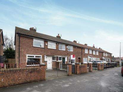 3 Bedrooms Terraced House for sale in Briar Hill Avenue, Little Hulton, Manchester, Greater Manchester