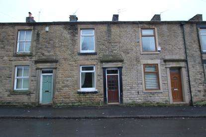 2 Bedrooms Terraced House for sale in Counthill Road, Watersheddings, Oldham