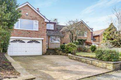4 Bedrooms Detached House for sale in Martlet Avenue, Disley, Stockport, Cheshire