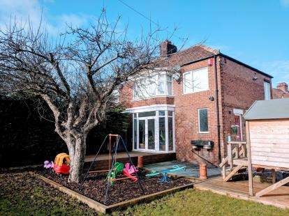 3 Bedrooms Semi Detached House for sale in Glendale Road, Middlesbrough, .
