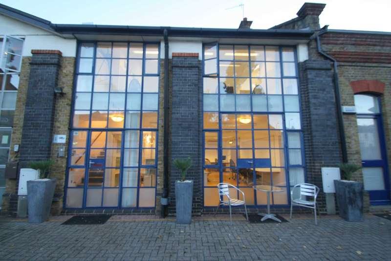 Office Commercial for rent in Glenthorne Mews, Hammersmith, W6