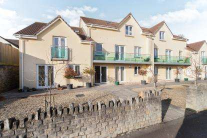 2 Bedrooms Flat for sale in Bath Road, Wells, Somerset