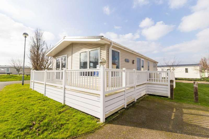 2 Bedrooms Lodge Character Property for sale in Scratby, Norfolk