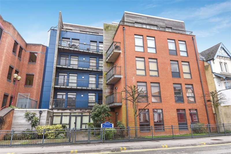 2 Bedrooms Apartment Flat for sale in Crown Street, Reading, Berkshire, RG1