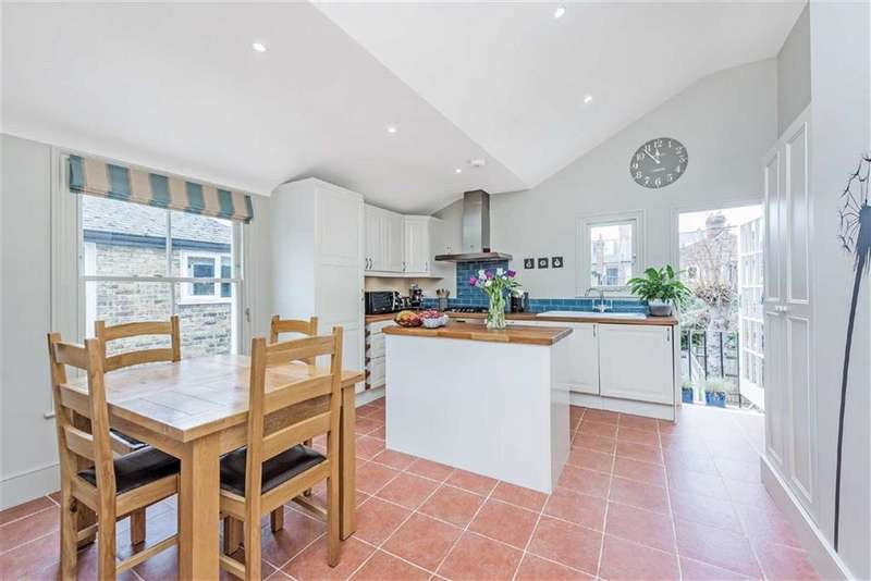 3 Bedrooms Maisonette Flat for sale in Glenfield Road, Balham