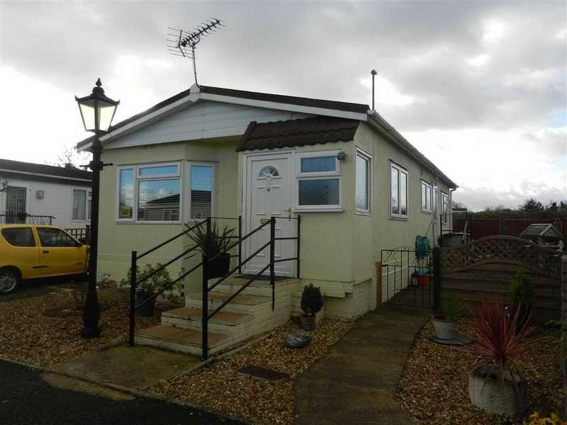 Park Home Mobile Home for sale in Harthurstfield Park, Cheltenham, Glos