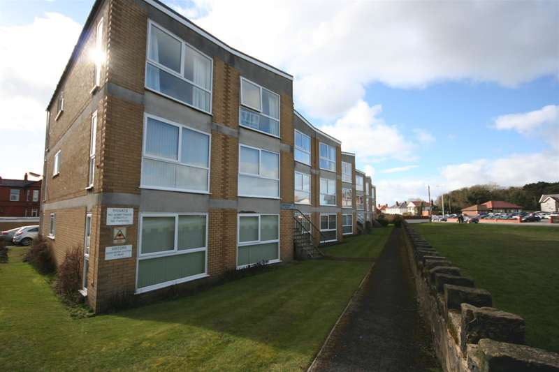 2 Bedrooms Flat for sale in Newport Avenue, Wallasey, CH45 8QJ