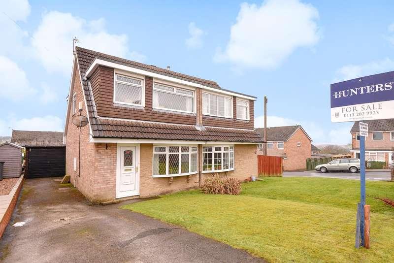 3 Bedrooms Semi Detached House for sale in Woodlea Grove , Yeadon, Leeds, LS19 7YT
