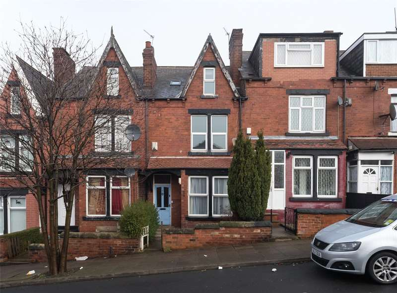 4 Bedrooms Terraced House for sale in Harehills Place, Leeds, West Yorkshire, LS8