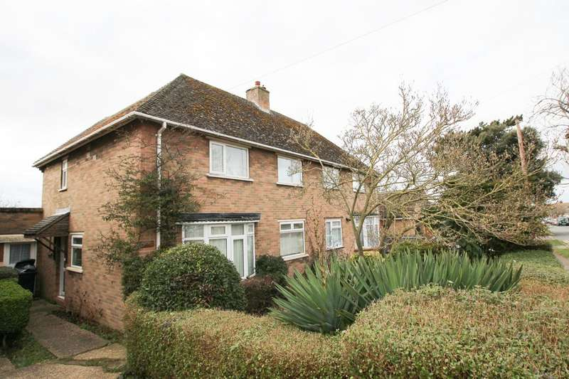 3 Bedrooms Semi Detached House for sale in Freshfields, Newmarket