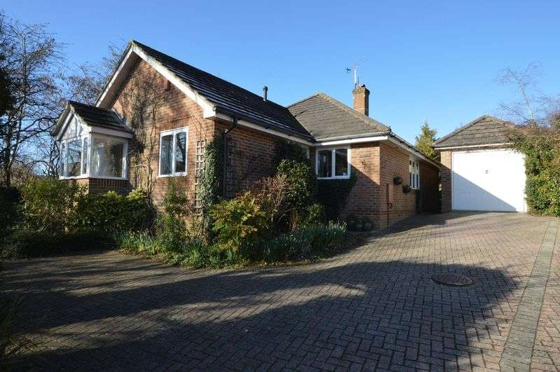 3 Bedrooms Property for sale in 57 Bolle Road, Alton