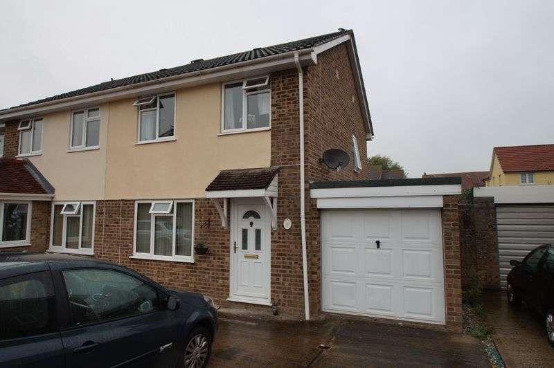 3 Bedrooms Property for sale in Elder Close, Highbridge