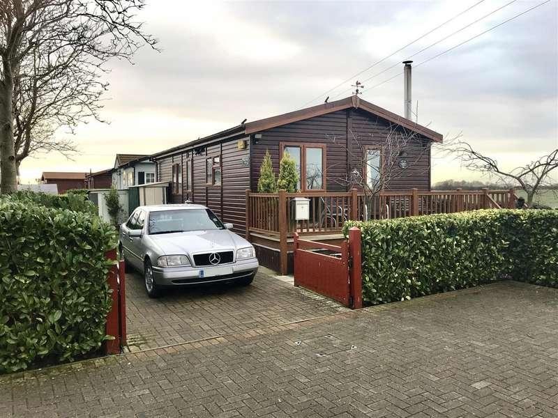 2 Bedrooms Property for sale in Wainfleet Bank, Wainfleet, Skegness