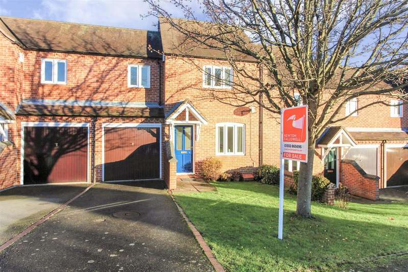 3 Bedrooms Terraced House for sale in Jubilee Close, Melbourne, Derby