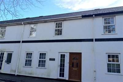 2 Bedrooms Terraced House for rent in Church Road, St Marychurch