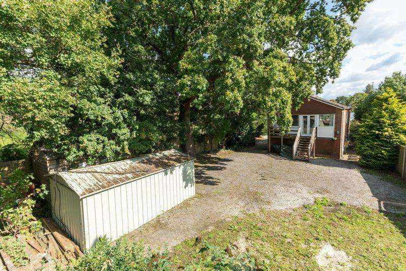3 Bedrooms Land Commercial for sale in Main Road, Fishbourne