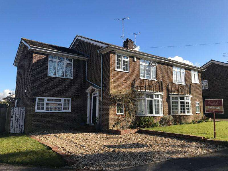 4 Bedrooms Semi Detached House for sale in Silverdale, Keymer, West Sussex,