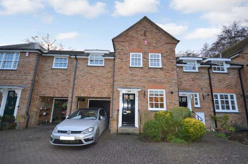 3 Bedrooms House for rent in Mimram Place, Welwyn