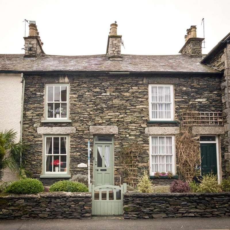 3 Bedrooms Terraced House for sale in Main Road, Windermere, Cumbria