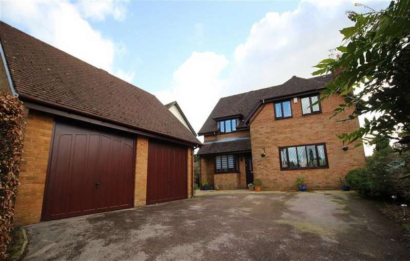 4 Bedrooms Detached House for sale in Churchfields, Chepstow