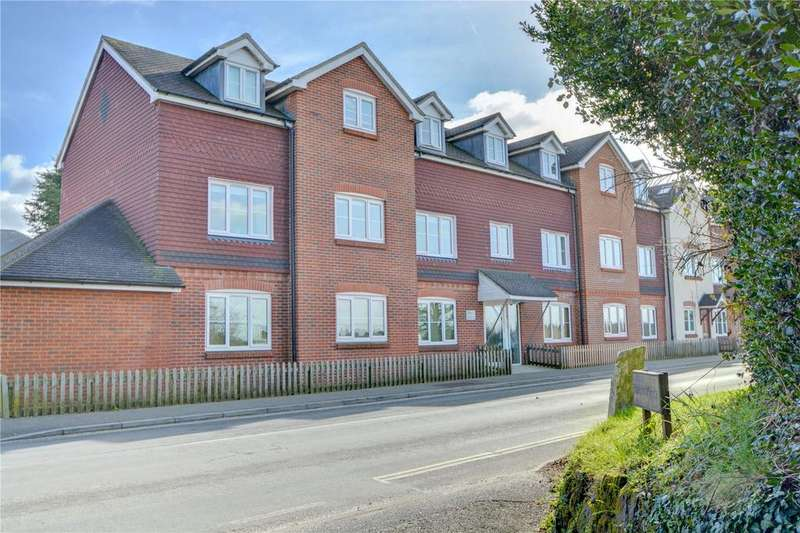 2 Bedrooms Flat for sale in Moss Court, 51 Portsmouth Road, Liphook, Hampshire