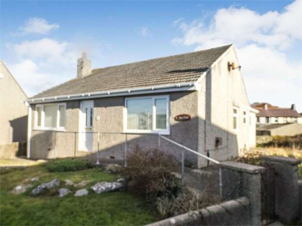 3 Bedrooms Detached Bungalow for sale in Bryn Erw Road, Holyhead, Anglesey
