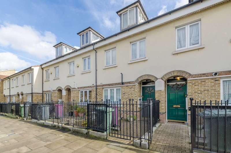 3 Bedrooms House for sale in Galsworthy Avenue, Limehouse, E14