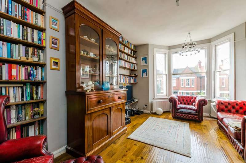 2 Bedrooms Flat for sale in Burton Road, Stockwell, SW9