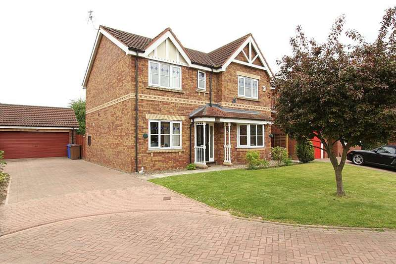 4 Bedrooms Detached House for sale in 17, Fern Close, Driffield, East Yorkshire, YO25 6UR