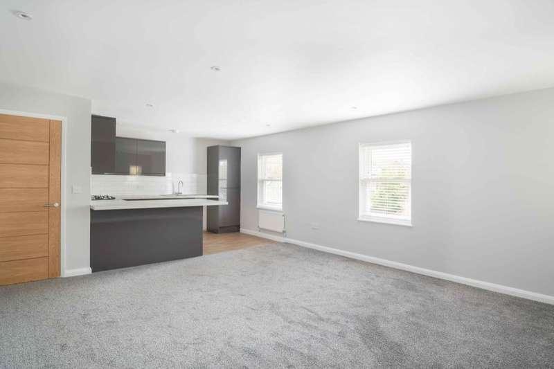 2 Bedrooms Flat for rent in Wellington Road, Deal, CT14