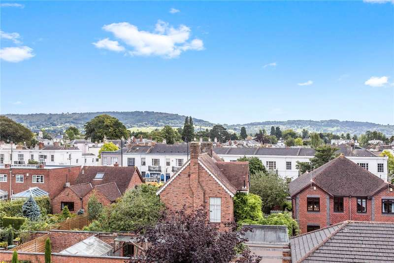 2 Bedrooms Retirement Property for sale in New Court, Lansdown Road, Cheltenham, Gloucestershire, GL50