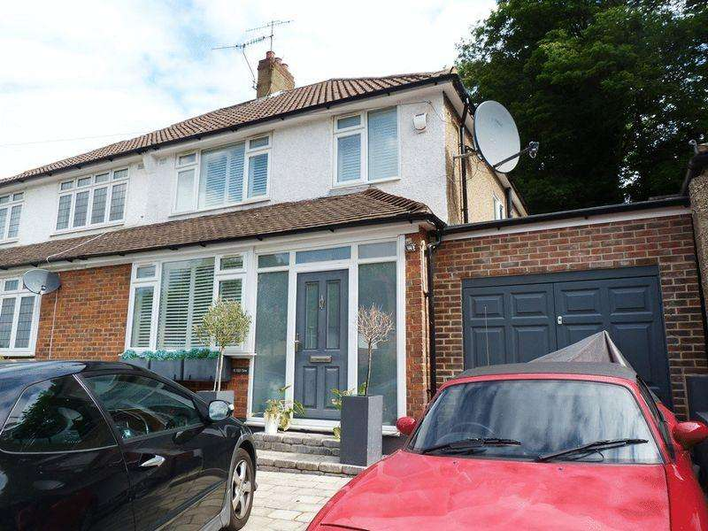3 Bedrooms Semi Detached House for rent in Coulsdon