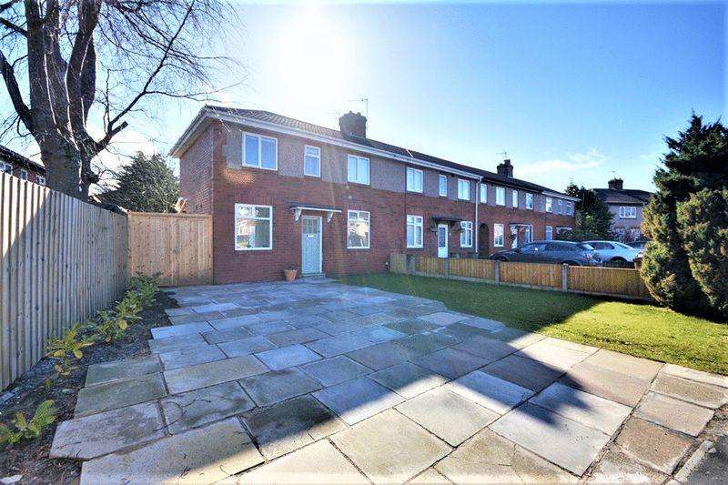 2 Bedrooms Semi Detached House for sale in Stafford Road, Southport