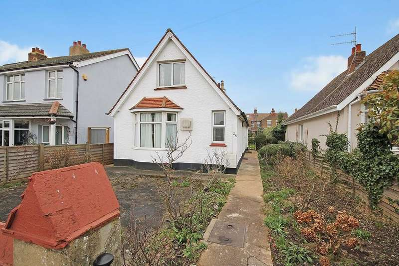 3 Bedrooms Detached House for sale in Rosslyn Road, Shoreham-by-Sea BN43 6WP